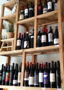 Estantería de vinos