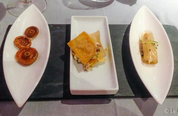Canelon transparente de ceps con queso de cabra-Rovellons a la plancha con ajo y perejil-Crujiente de revoltillo de camagrocs con jamon