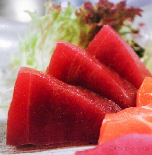 Detalle Sashimi atun en Bun Sichi restaurante japones barcelona pasaporte time out