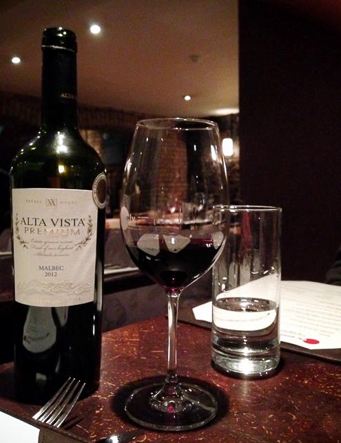 Interior restaurante Alta vista Premium Malbec en Ely Wines Dublin Irlanda