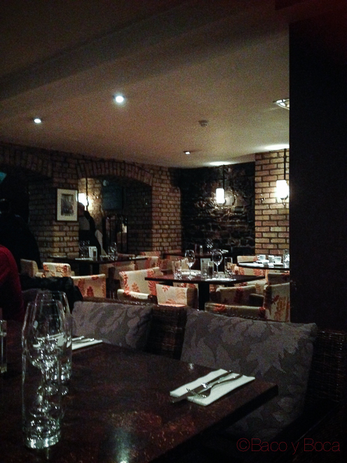 Interior restaurante Ely Wines Dublin Irlanda