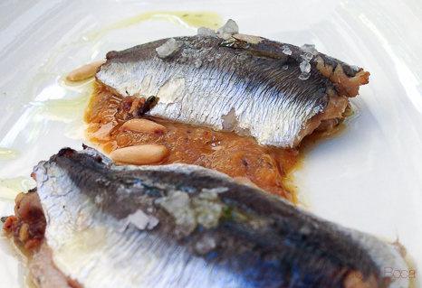 SARDINAS RELLENAS SOBRE CALABAZA en Llagut Taverna Marinera Tarragona amigastronomikas viaje a tarraco