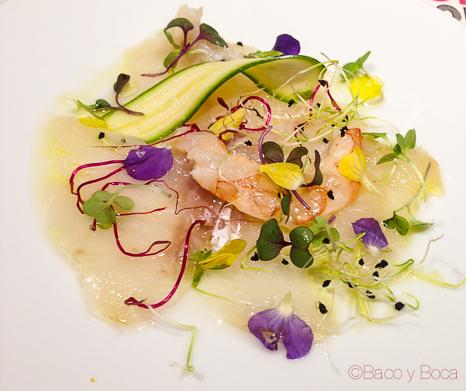Falso ceviche de bacalao ahumado con flores restaurante reñe