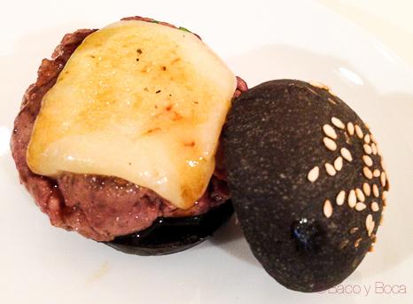 mini-hamburguesa-Hotel-Budapest-Paco-perez-chef-barcelona-mercat-de-mercats-showcooking-baco-y-boca-1