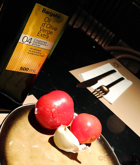 tomate-aceite-ajo-desayuno-yurbban-hotel-barcelona