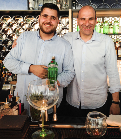 Bartenders gin tonics Tanqueray n 10 ocean club baco y boca
