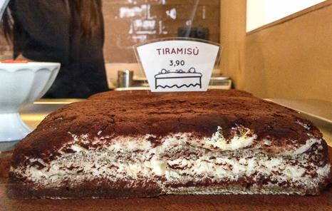 pastel Tiramisu Davita Italian gastro Market baco y boca