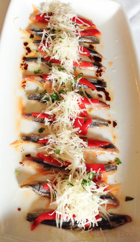anchoas ahumadas con virutas de parmesano y pimientos la solana Ribadeo Baco y Boca