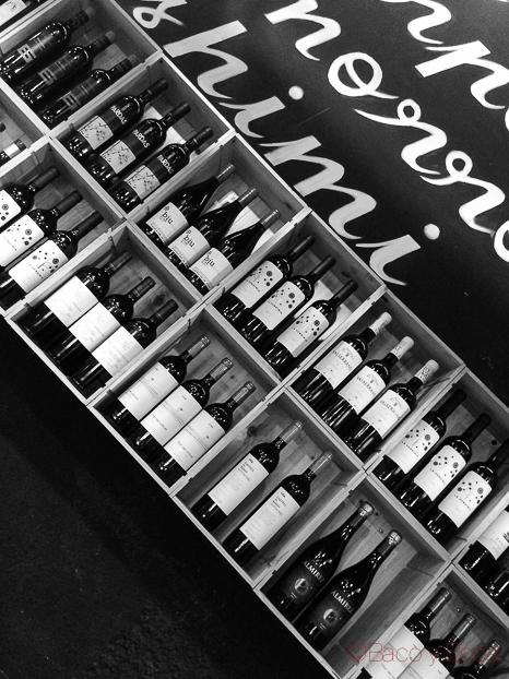 estantería de vinos Pitapes Granollers baco y boca