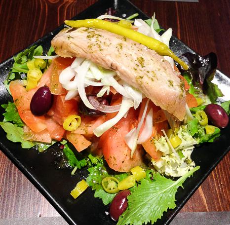 Ensalada atun y tomate Restaurante Malgam Baco y boca