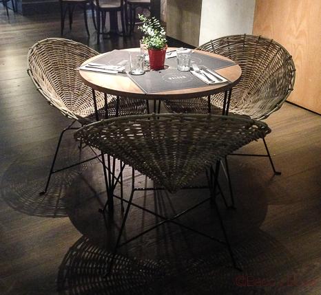 Mesa Interior Restaurante Malgam Baco y boca