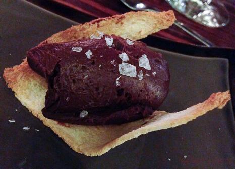 Cremoso de chocolate con aceite de oliva virgen y sal Maldón 62 escalones eatwith vegetariano bacoyboca