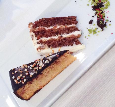 Pastel de zanahoria sin gluten y té verde con flores de jazmín pastel de naranja, almendra y chocolate sin gluten con te sencha bacoyboca
