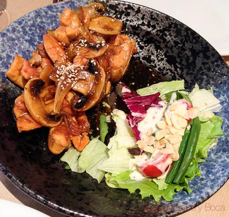 Tori no teriyaki- Pollo a la plancha en salsa de soja con verduras Koryo baco y boca