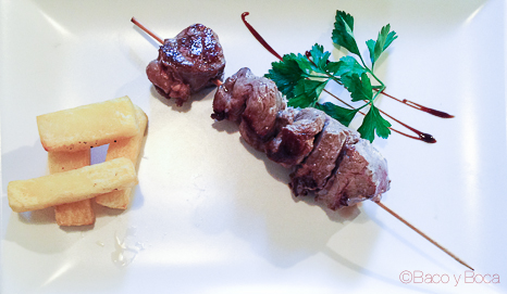 brocheta solomillo Catacroquet Poble Nou Baco y Boca