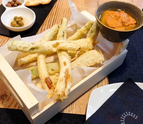 calçots en tempura Singular Baco y Boca