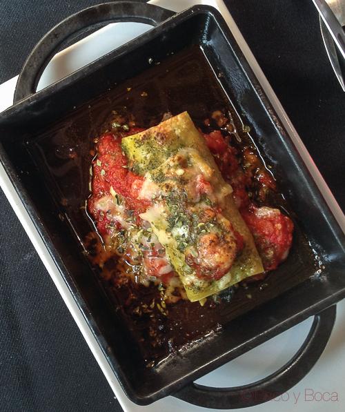 Canelon verduras ecologicas tomate confitado parmesano y pesto abrassame las arenas baco y boca