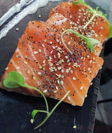 salmon marinado en Sasha Bar Barcelona Baco y Boca