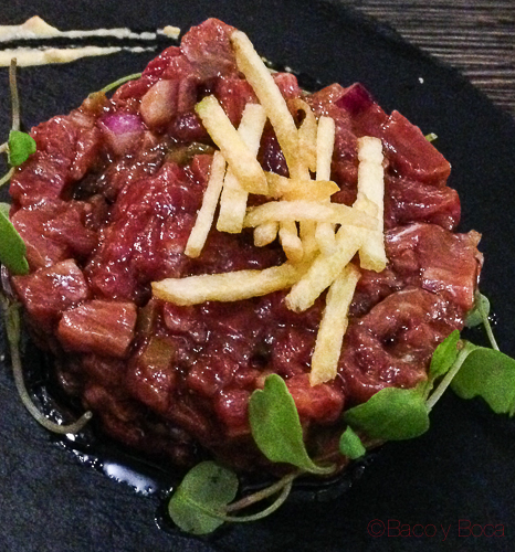 steak tartar en Sasha Bar Barcelona Baco y Boca