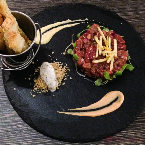 steak tartar Sasha Bar Barcelona Baco y Boca