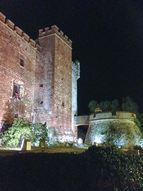 castillo castelldefels mascaras cubat baco y boca