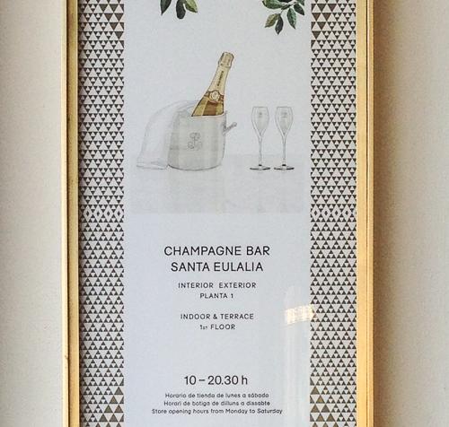 Bistrot & Champagne Bar SantaEulalia