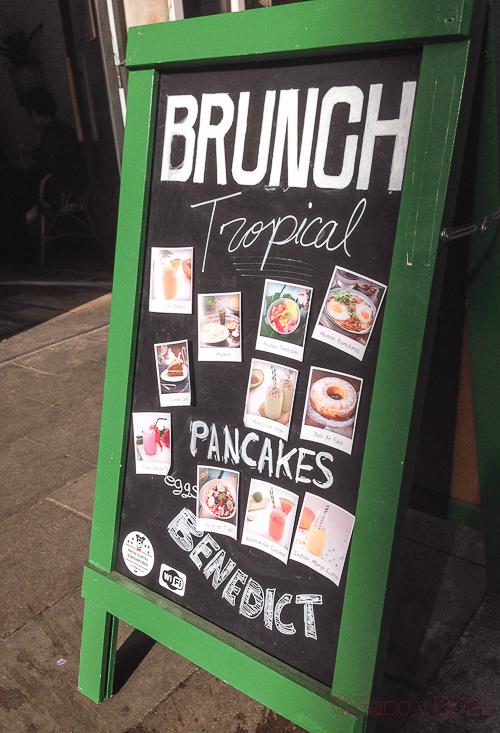 Pizarra brunch tropico bcn baco y boca