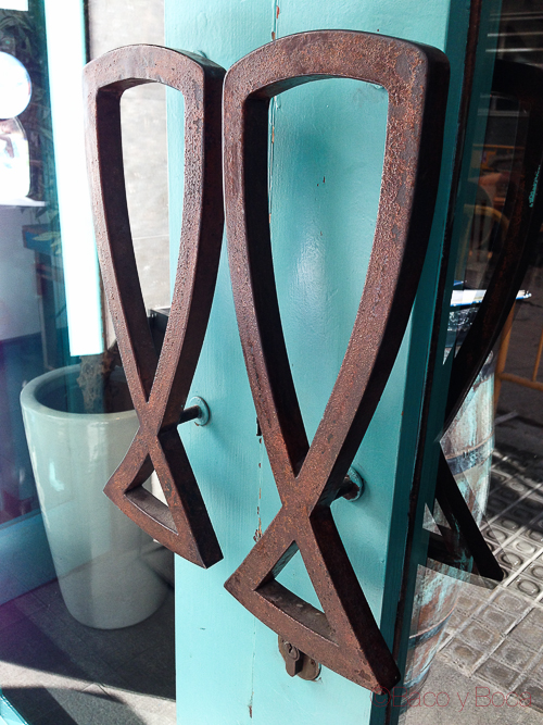 puerta Nou Cal Ramonet baco y boca
