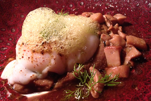 huevo caldo de jamon y ceps pla bacoyboca