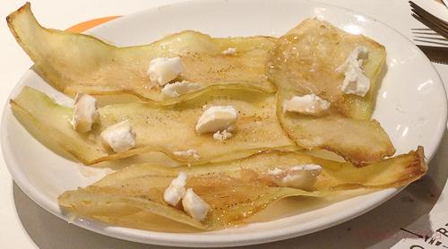chips berenjena miel y queso cabra Bilbao Berria Illa baco y boca