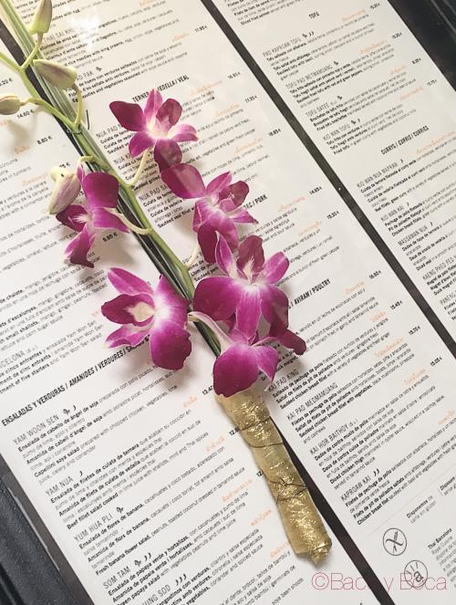 Carta y flor Thai Garden Baco y boca