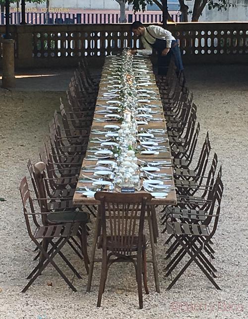 mesa en jardin noches alhambra baco y boca